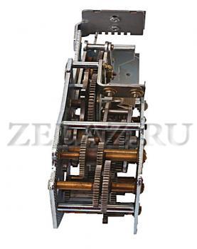 Редуктор механизма управления КС-4 - вид сзади